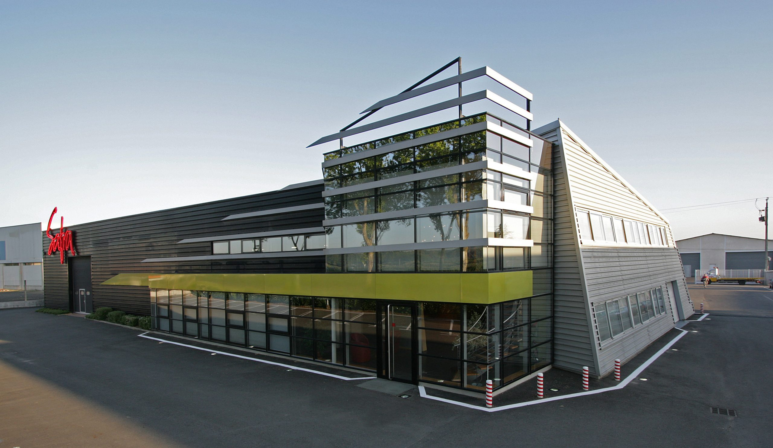 Bâtiment du siège social du Groupe SAFRA à Albi